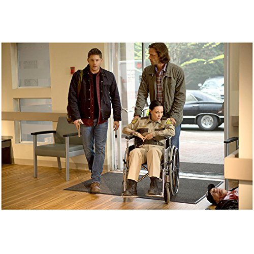 Supernatural 8x10 Photo Jensen Ackles & Jared Padelecki Pushing Young Woman in Wheelchair kn