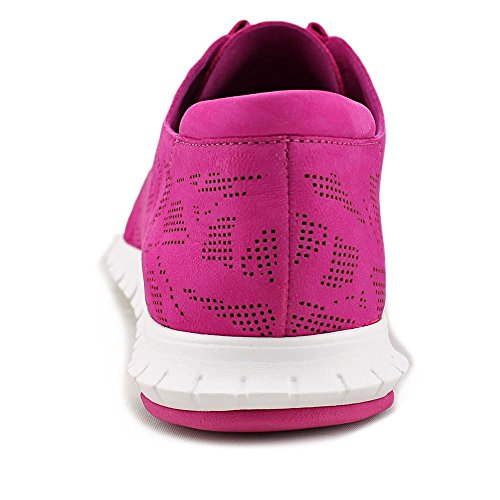 Cole Haan Womens Zerogrand Perforated Trainer Fashion Sneaker Fucsia Rosso Perf Nubuck / Bianco Ottico