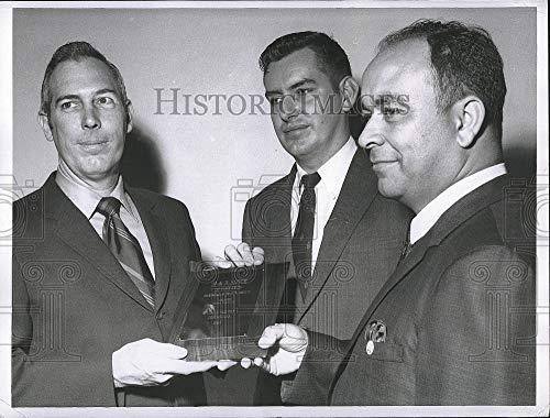 Vintage Photos Press Photo H & R Block reps Neal Thomas,Joe Pate, Marshall Morris