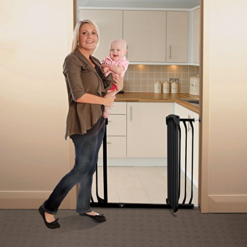 Dreambaby Chelsea Extra Wide Auto Close Security Gate in Black by Dreambaby (Image #4)