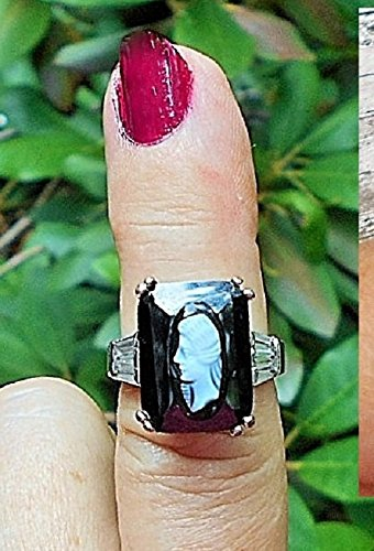 [Vintage Sardonyx Black & White Cameo Elevated on Faux Faceted Onyx Ring Size 6 3/4, Art Deco. One of Kind!] (Marcasite Faceted Onyx Ring)