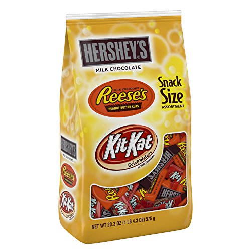 - HERSHEY'S Chocolate Candy Snack Size Assortment (Hershey's, Reese's, Kit Kat), 20.3 Ounce Bag