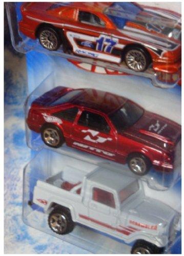 Hot Wheels Diecast Mustang Cobra - 3rd Generation Mustang - Jeep Scrambler Scale 1/64 - Generation 1 Mustang