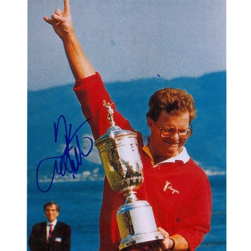 (Tom Kite Autographed Golf (US Open Trophy) 8x10 Photo)