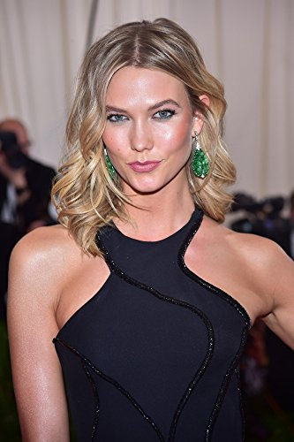 Posterazzi Karlie Kloss at Arrivals for 'China: Through The Looking Glass' Opening Night Met Gala-Part 5 Photo Poster Print (8 x ()