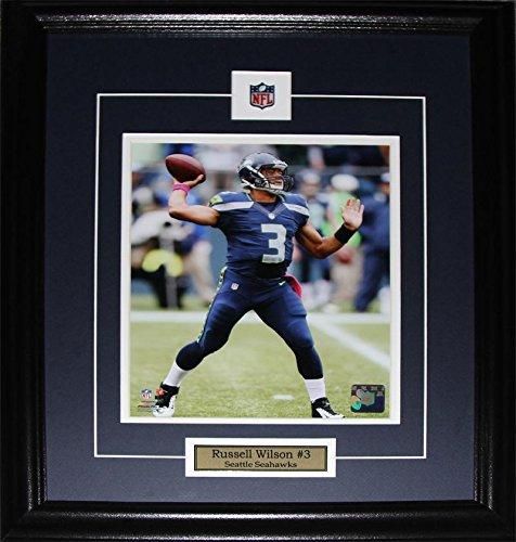 - Russell Wilson Seattle Seahawks 8x10 NFL Football Memorabilia Collector Frame
