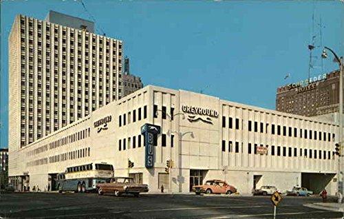 Greyhound Bus Depot Milwaukee, Wisconsin Original Vintage Postcard ()