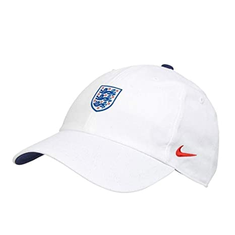 120e2ff4dc62ef Amazon.com : Nike 2018-2019 England H86 Core Cap (White) : Sports & Outdoors