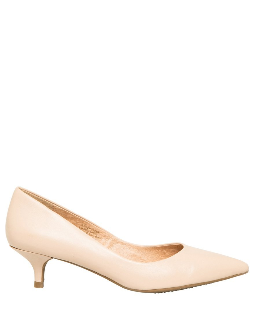 LE CHÂTEAU Women's Leather Pointed Toe Kitten Heel Pump,7,Nude by LE CHÂTEAU