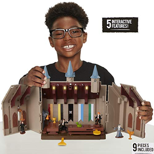 HARRY POTTER Hogwarts Great Hall Mini Playset, Works with Wizard Training Wands, Light Up The Great Hall! ()