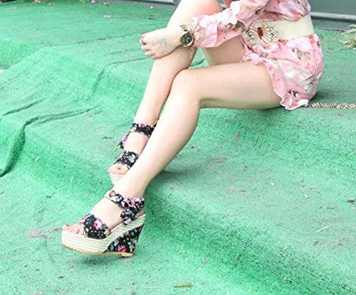 Sommer zwängt Sandelholze weibliche Schuhe Frauen Plateauschuhe schnüren Gurtbogen Flip Flops offene Spitze Schuhe mit hohen Absätzen schwarz