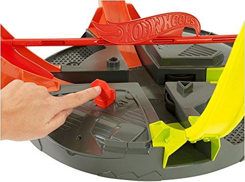 Hot Wheels Roto Revolution Track Playset by Hot Wheels (Image #8)