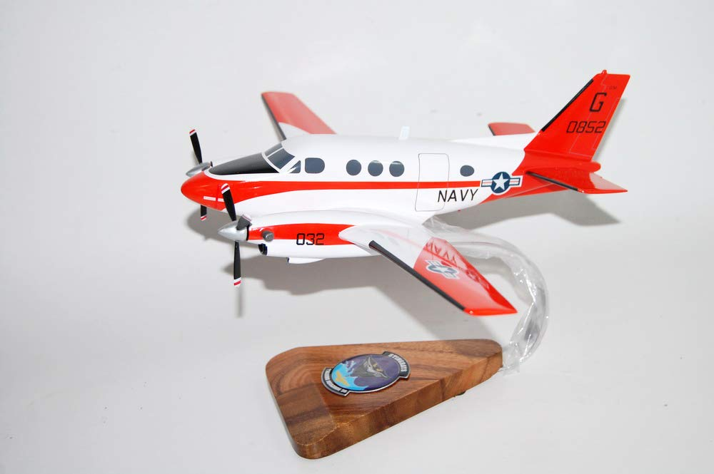 Squadron ノスタルジア スティングレイ LLC VT-35 VT-35 ノスタルジア スティングレイ T-44 木製モデル B07J1XB7X3, ワールドドライブショップ:ad0ff2a0 --- mail.sayselfiee.com