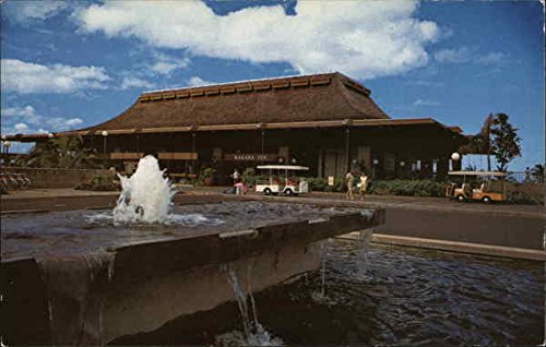Makaha Inn and Country Club Makaha, Hawaii Original Vintage Postcard