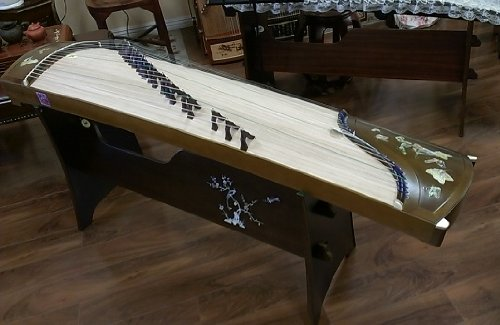 Tianyi Collection Golden-thread Nanmu Guzheng with Mica Inlay
