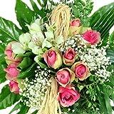 Kreativ gebundener Blumenstrauß mit Rosen - grün-rosa