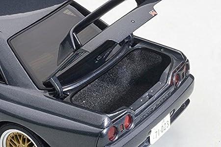 "Amazon.com: Nissan Skyline GT-R (R32) Gungrey Metallic Wangan Midnight ""Reina"" 1/18 Diecast Model Car by Autoart 77411: Toys & Games"