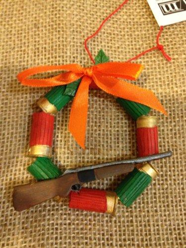 Amazon Com Shotgun Wreath Hunting Christmas Ornament Home Kitchen