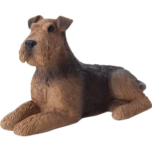 (Sandicast Small Size Airedale Terrier Sculpture, Lying)