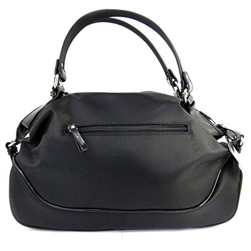 Bag designer Ted Lapidusnero.