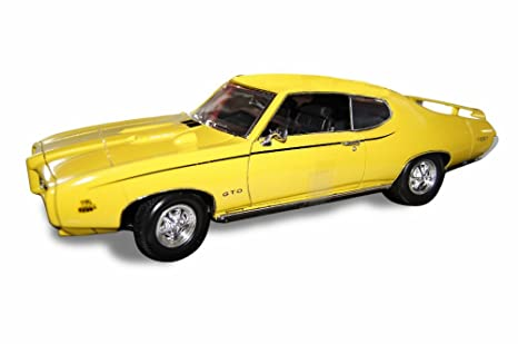 amazon com pontiac gto judge yellow 1969 modellauto ready made