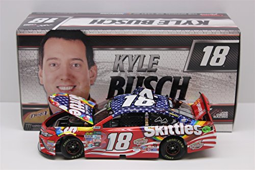 usch #18 Skittles Red, White and Blue 2017 Toyota Camry 1:24 Scale ARC HOTO Diecast Car ()