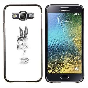 TECHCASE---Cubierta de la caja de protección para la piel dura ** Samsung Galaxy E5 E500 ** --Conejo Cráneo Muerte Divertido Negro Blanco
