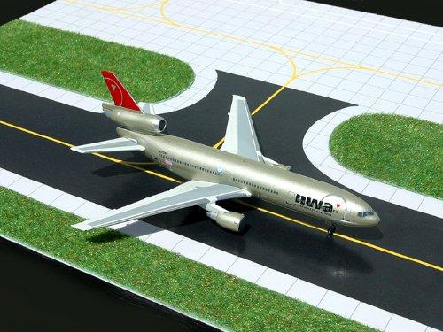 1:400 Gemini Jets DC-10-30 Northwest Airlines Reg #N226NW (pre-painted/pre-built)