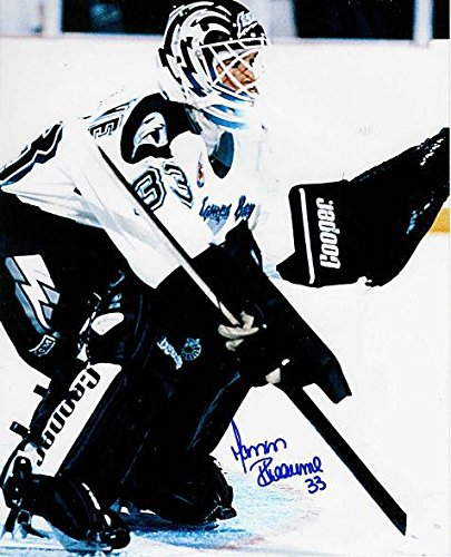 MANON RHEAUME Signed TAMPA BAY LIGHTNING 8x10 Photo - Autographed ... 5668ca15f8b