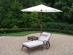 Oakland Living Elite 1de aluminio fundido con chaise lounge con mesa auxiliar (Plus 9-Feet blanco paraguas y soporte