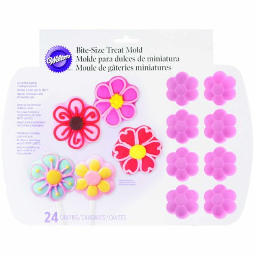 Wilton 24-Cavity Daisy Silicone Treat Cake Mold, Pink