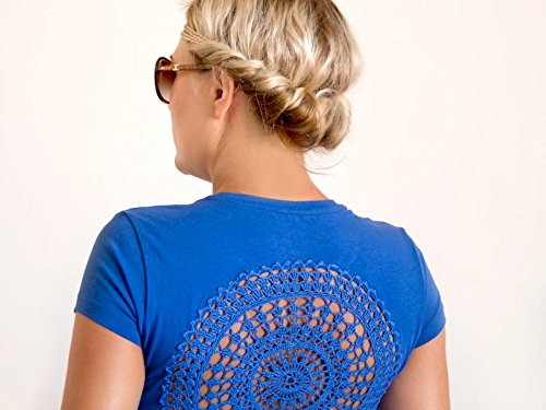 Blue t-shirt with upcycled vintage crochet doily back - Size S-M (Vintage Indigo Apparel)