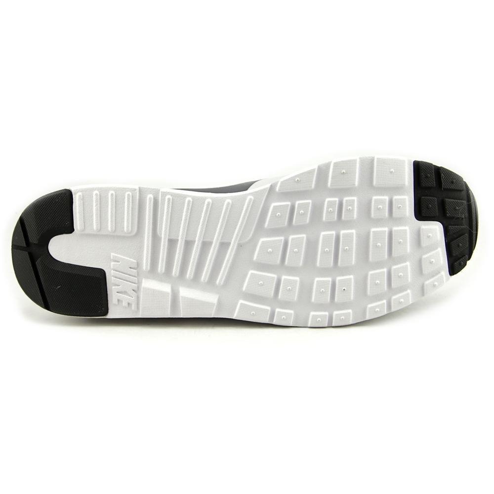 7 Nike Men's Air Max Tavas Essential Athletic Casual Shoes