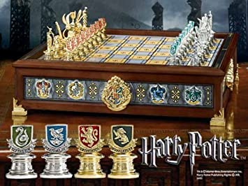 Harry Potter The Hogwarts Houses Quidditch Chess Set: Amazon.es: Juguetes y juegos