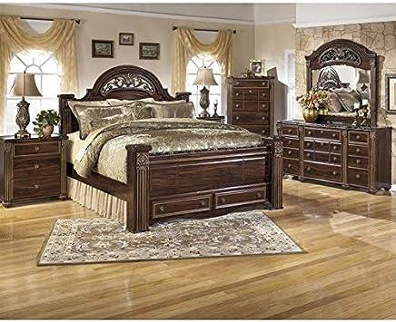 Amazon Com Ashley Furniture Gabriela 6 Piece King Drawer Bedroom