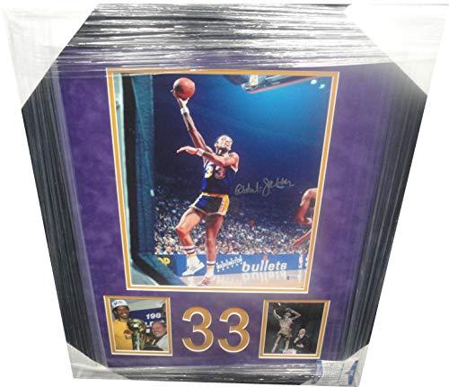 Kareem Abdul Jabbar Hand Signed 11x14 Photo Framed UCLA Bruins Lakers Beckett