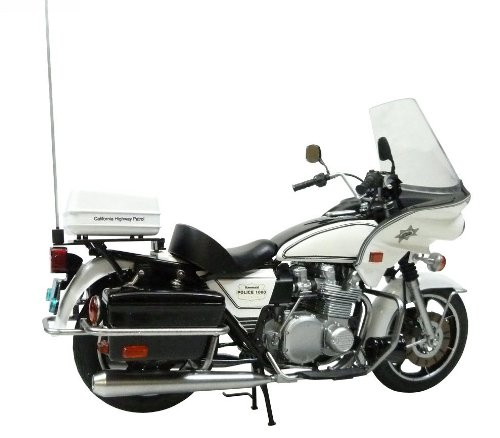 Amazon Com Aoshima Models Aos 003305 Kawasaki Police 1000 Cowling