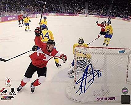 ae20045e529 Jonathan Toews Autographed 8x10 Photo - 2014 Olympics Sochi Team ...