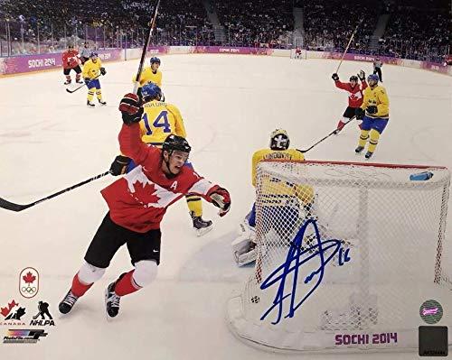 Jonathan Toews Autographed 8x10 Photo - 2014 Olympics Sochi Team Canada - Chicago Blackhawks - Frameworth Authentic