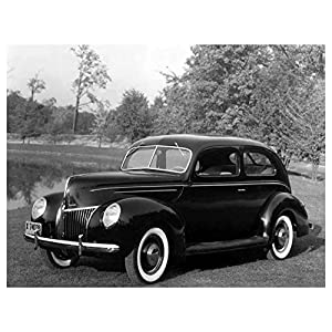 1939 Ford Deluxe Tudor Factory Photo