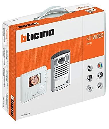Citofono Bticino Linea 2000.Bticino 365511 Kit Videocitofono Classe 100v12b E Pulsantiera Linea 2000 Con Telecamera A Colori Bianco