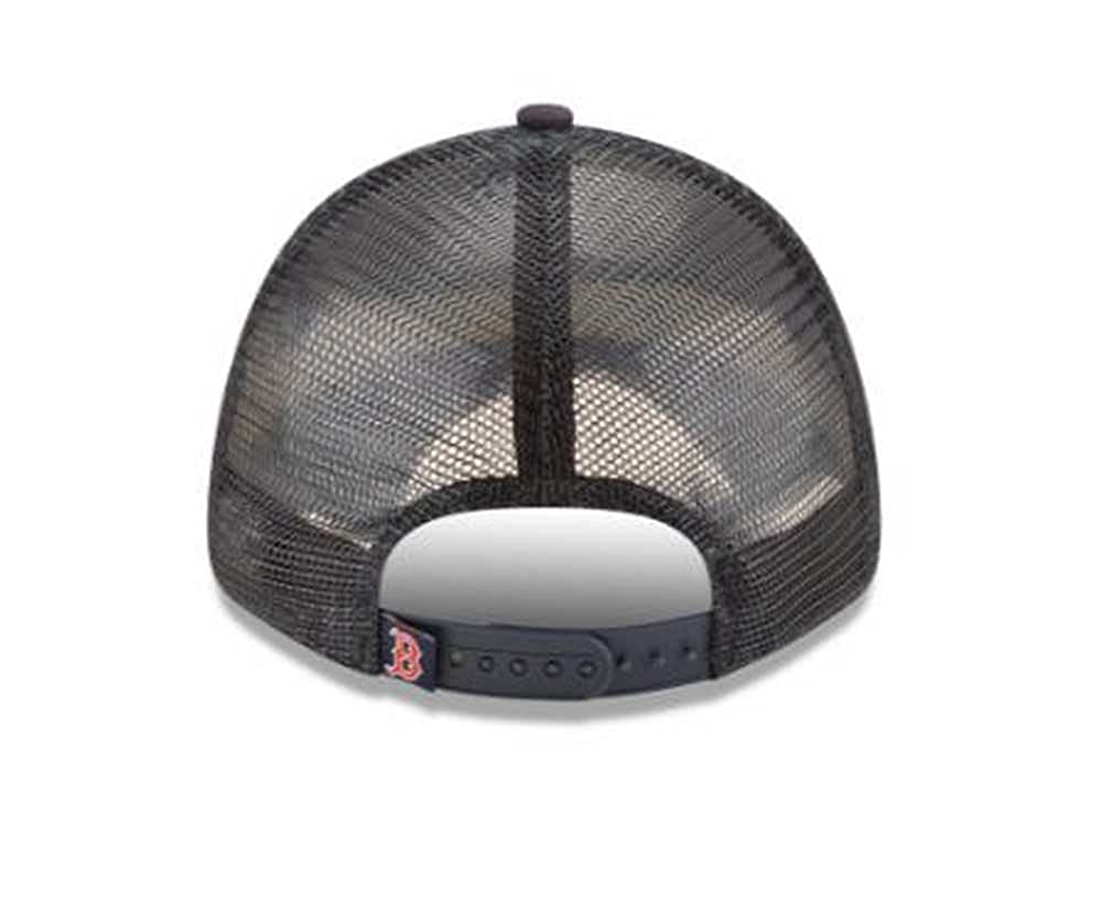 c90093d4 Amazon.com: Boston Red Sox New Era Trucker 9FORTY Adjustable Snapback Hat  Navy: Clothing