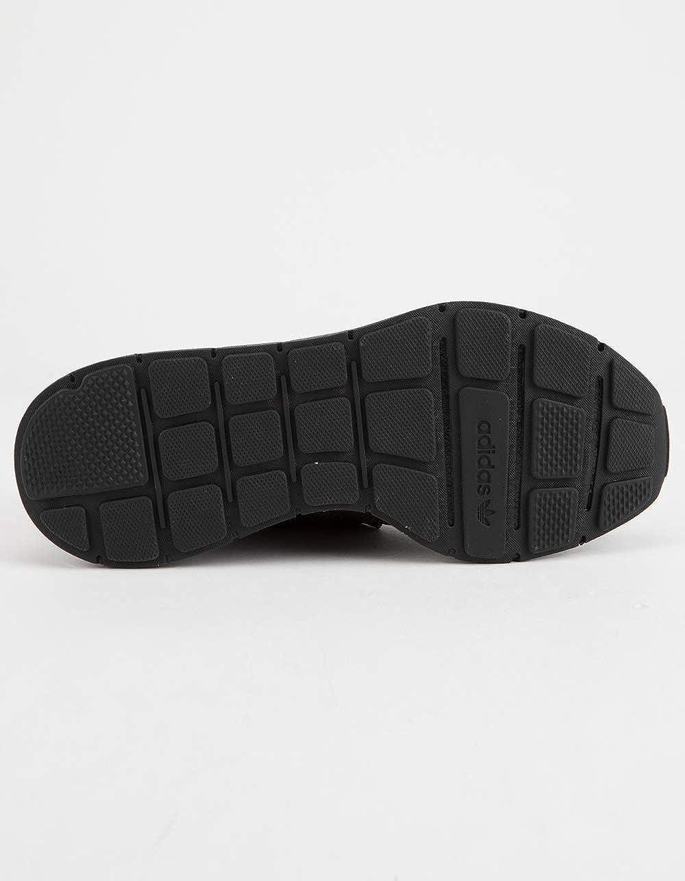 uk availability 1fda1 d704a Amazon.com  adidas Originals Kids Swift Run J Sneaker  Sneak