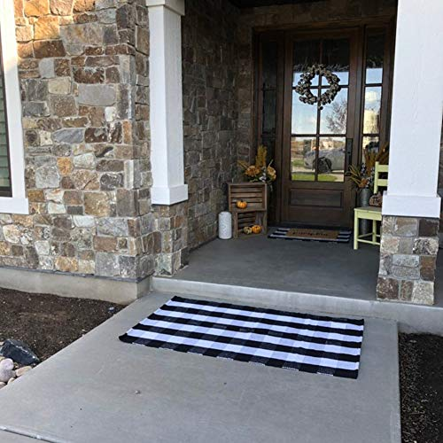 MUBIN Cotton Buffalo Plaid Rug Black/White Check Rugs 27.5 x 43 Inches Hand-Woven Indoor or Outdoor Rugs for Layered Door Mats Washable Carpet for Front Porch/Kitchen/Farmhouse/Entryway