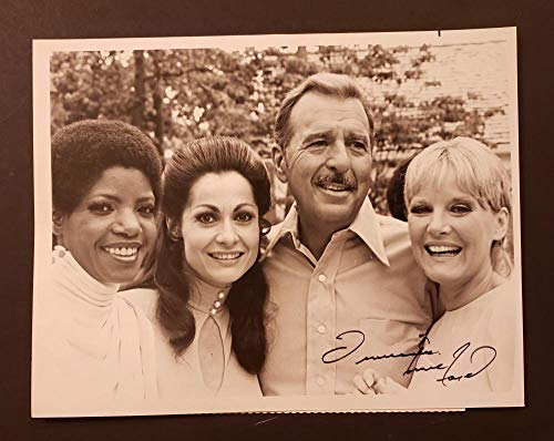 Tennessee Ernie Ford Hand Signed 9 x 7 Black and White Photo Signed in Black Ink