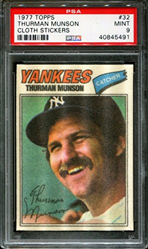 1977 TOPPS CLOTH STICKERS #32 THURMAN MUNSON YANKEES PSA 9 - Topps Cloth 1977