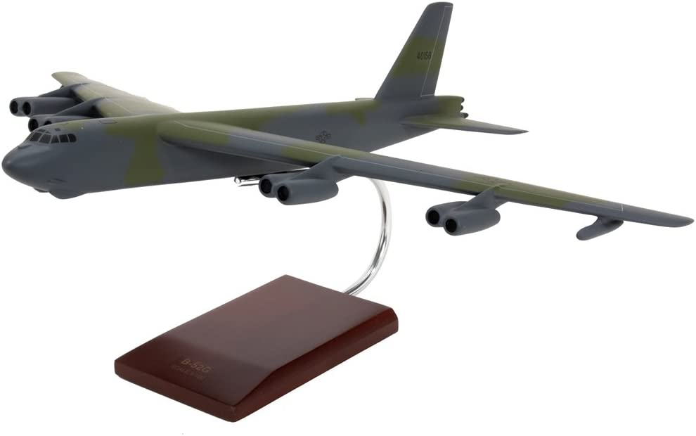1//100 Mastercraft Collection B-52G Stratofortress Model Scale