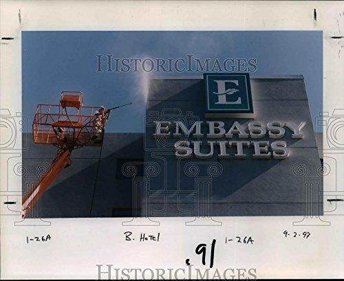 1997 Press Photo Embassy Suites   Orb90892