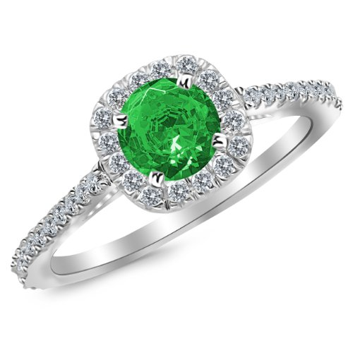 0.5 Ct Emerald Ring - 9