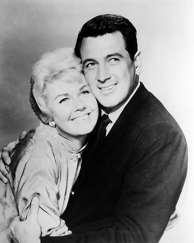 Moviestore Rock Hudson als Brad Allen - 'Rex Stetson' unt Doris Day als Jan Morrow in Pillow Talk 25x20cm Schwarzweiß-Foto
